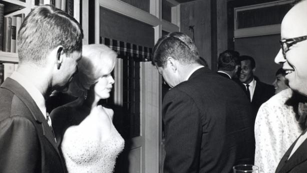 Marilyn Monroe meets JFK