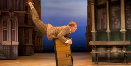 Owain Arthur (Francis Henshall) in One Man, Two Guvnors at the Theatre Royal Haymarket. Photo credit Johan Persson[8].jpg